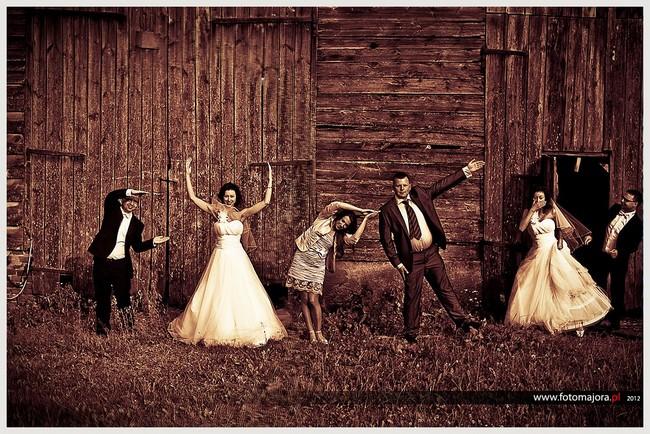 atmosfera przyjęcia weselnego