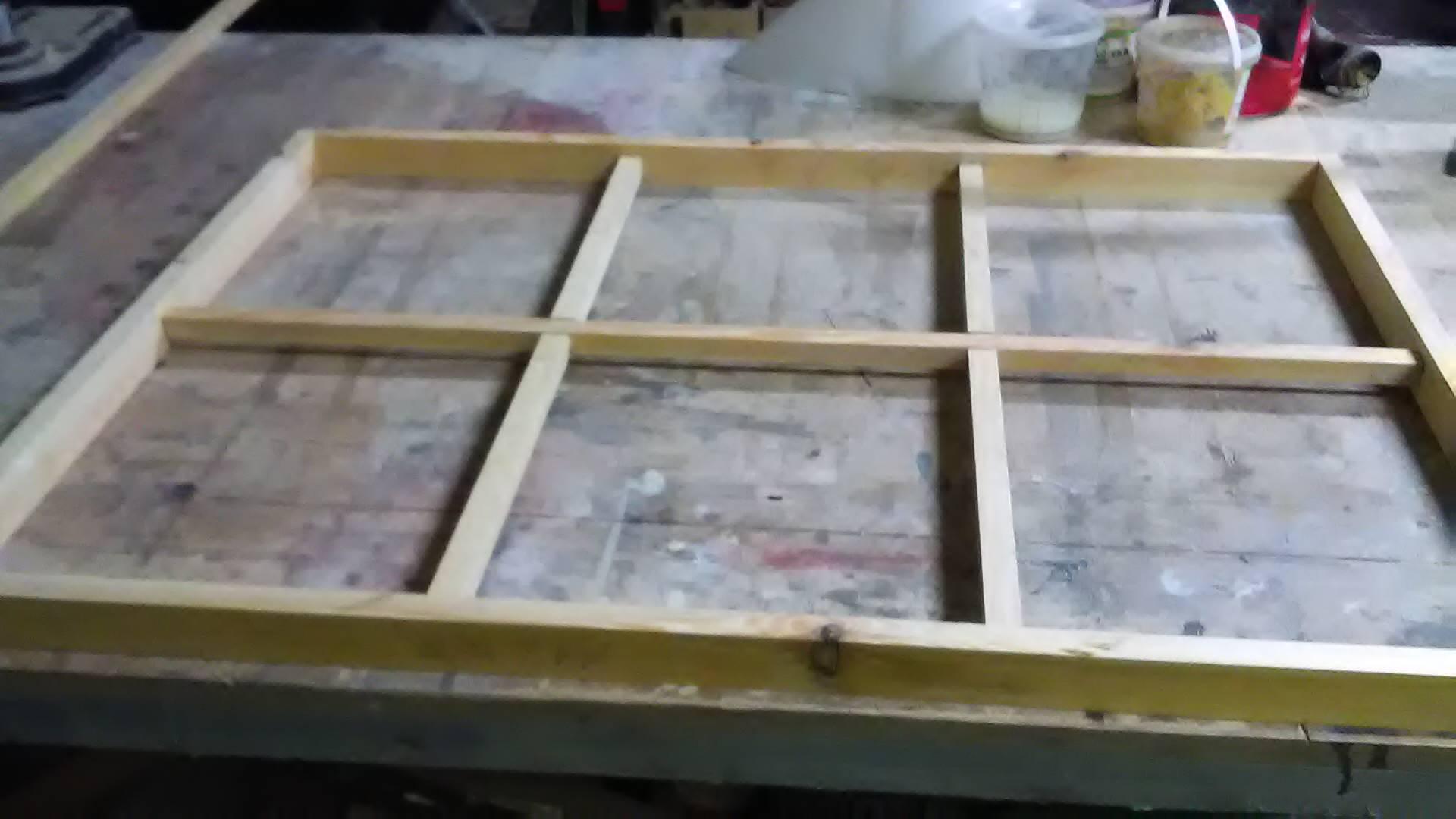 gotowa surowa okienna rama z drewna sosnowego